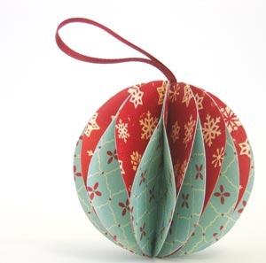 13 Tree-Worthy DIY Christmas Ornaments | Origami christmas star ... | 297x300